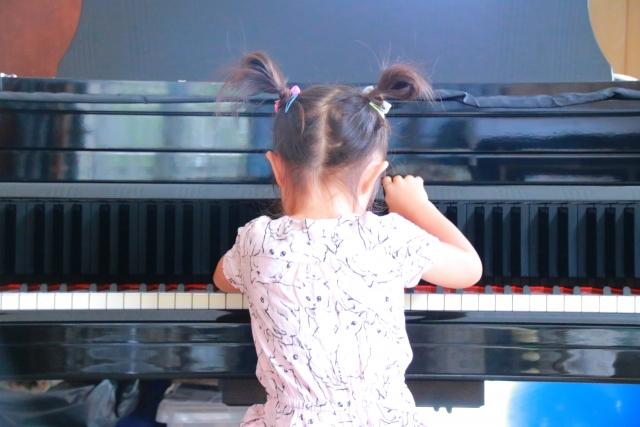 悩む子供のピアノ練習!毎日一回でも触れて練習癖をつけよう!