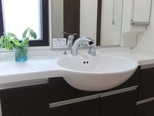 洗面所の床はこうやって掃除すればピッカピカになります!