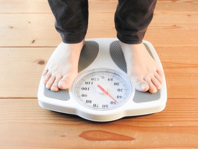 20代女性が気になる体重!身長158㎝の平均体重は〇㎏!?