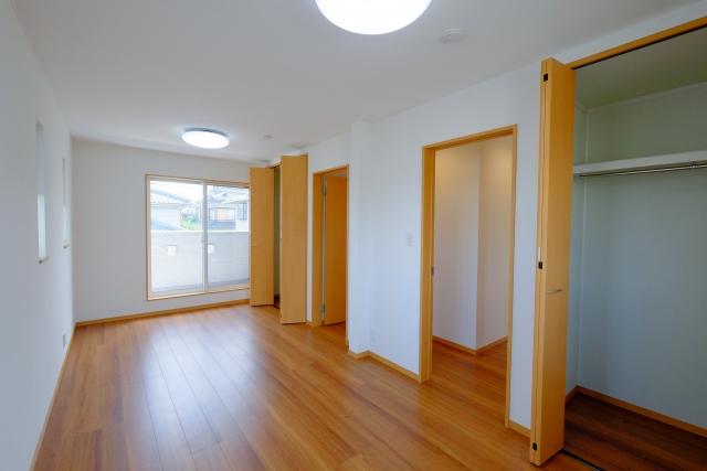 狭いアパートで悩む収納、工夫次第で収納スペースは確保できる!