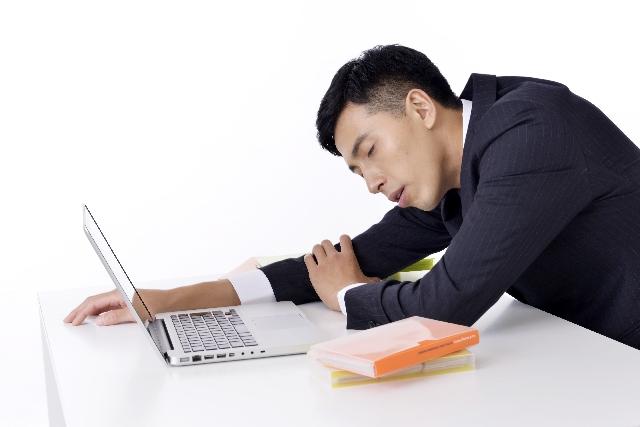 仕事に集中できない!眠い原因はあるの!?
